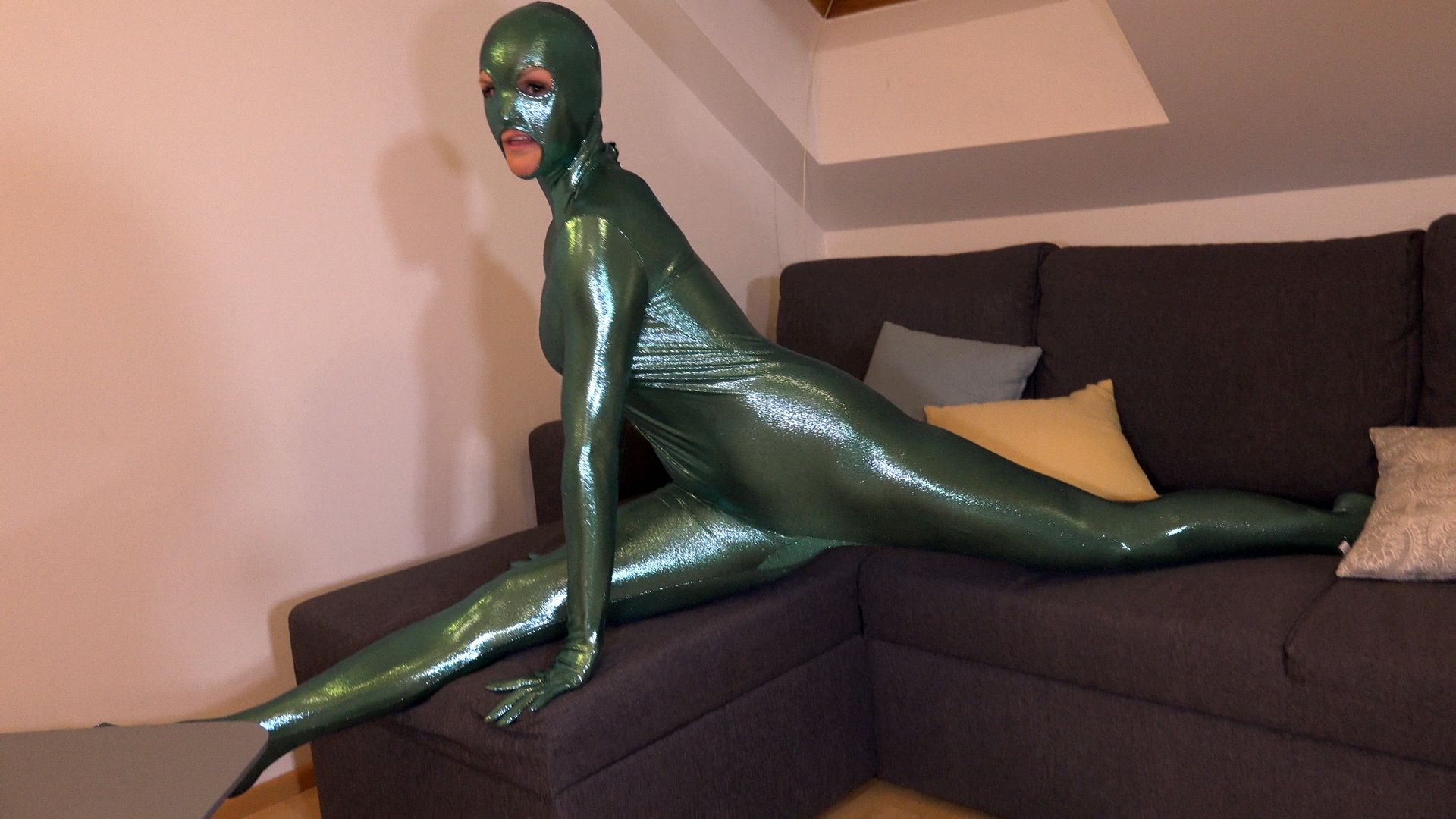 Flexible in Shiny Catsuit